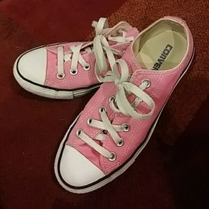 Pink converse! Lightly used!